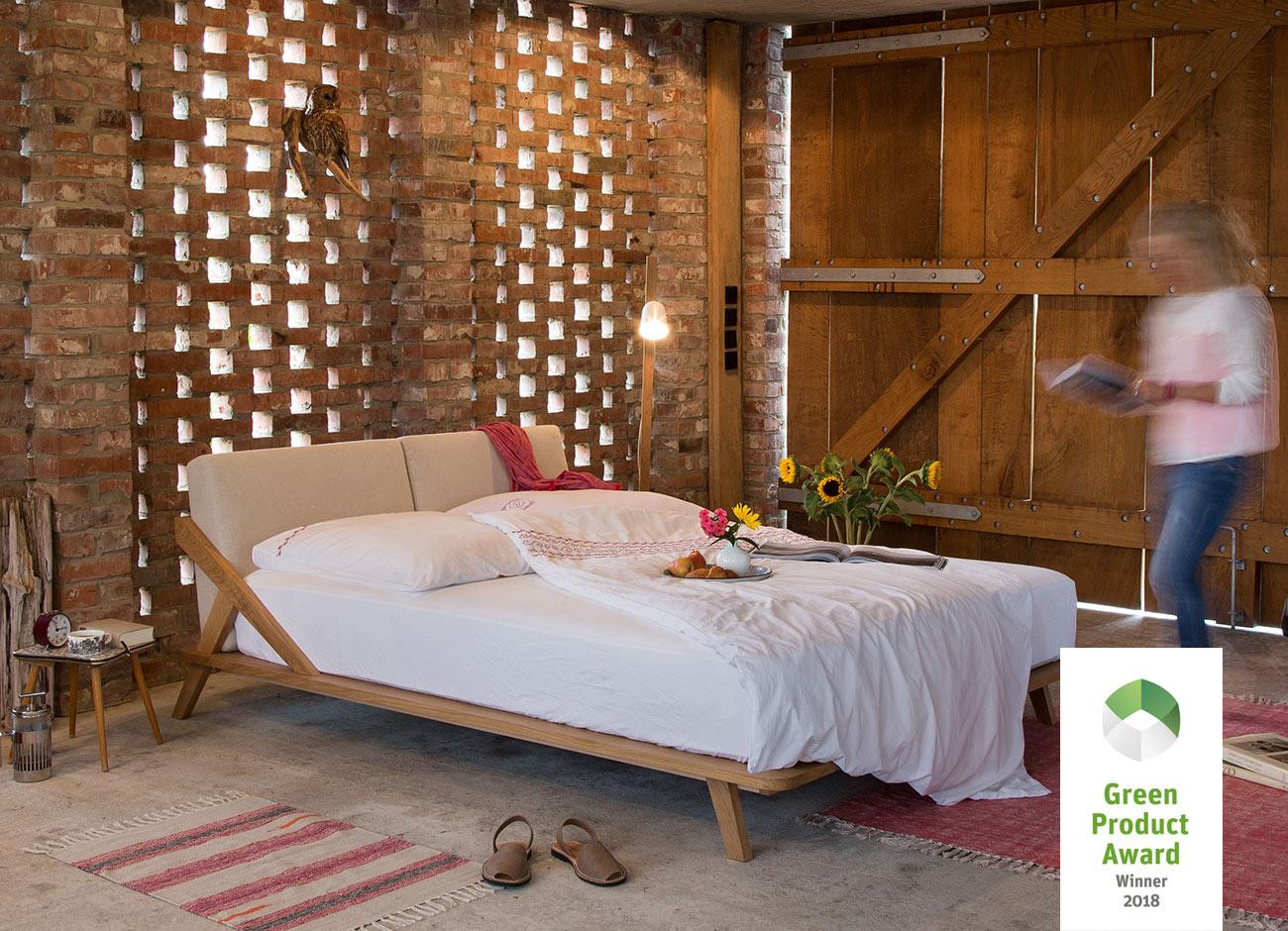 Nordic Space Bett von Ellenberger Design